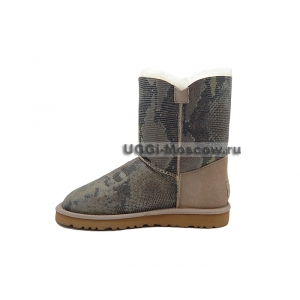 UGG Women Bailey Button Snake - Sand